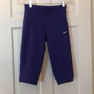 Nike workout capri pants